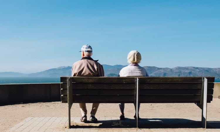 Seniors Health: The Benefits Of At Home Healthcare Services